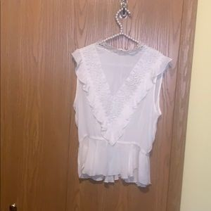 Off white lace vintage look sleeveless top